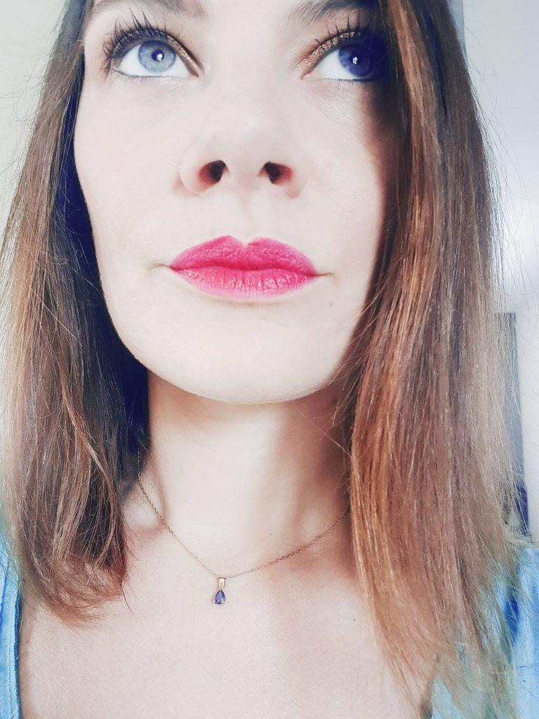 lip magnet 513 magenta porté par pyxides-flacons