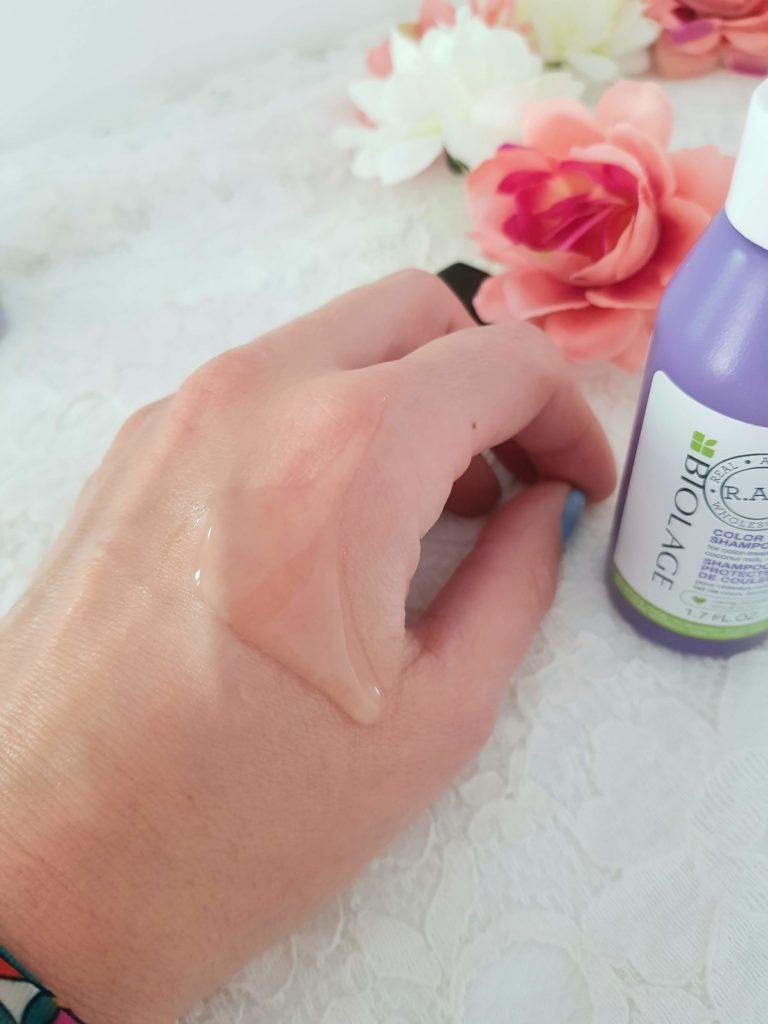 swatch du shampooing protecteur de couleur biolage au lait de coco