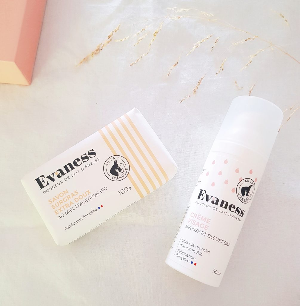 colis reçu de la part de Evaness qui fabrique des cosmétiques au lait d'ânesse